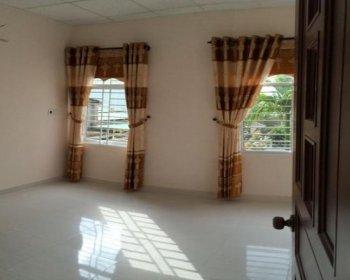 Cần bán gấp shophouse mặt tiền Tạ Quang Bửu, 1 trệt, 1 lầu, vừa ở vừa kinh doanh. LH: 0932115068 7200282