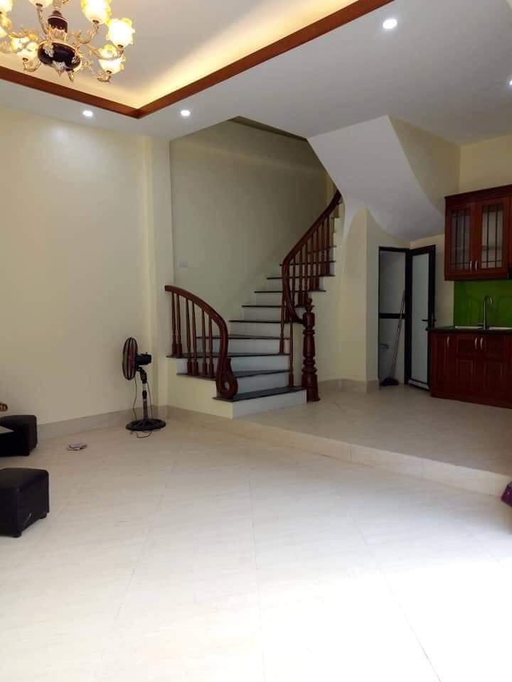 Bán nhà 5T đẹp mới xây, nội thất hiện đại, sang trọng, ngõ thông thoáng Đường Láng 10161170