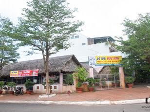 Cần sang quán ăn gia đình, khu phố Láng Sim, trung tâm Phước Bửu, vị trí 2 mặt tiền 10296857