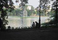 Bán nhà mặt phố Hàng Gai, vị trí kim cương nhìn thẳng ra phía Hồ Gươm. DT 160m2, 128 tỉ