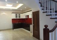 Cần tiền bán gấp căn nhà gần đường Hiệp Bình, nhà 3 tấm, còn rất mới, sổ hồng riêng