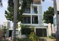 Xuất cảnh đi Mỹ bán biệt thự 8x18m, đường Phú Thuận, quận 7. Giá 10,5 tỷ