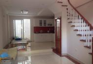 Chính chủ bán nhà mặt phố Hồ Tùng Mậu, DT 130m2