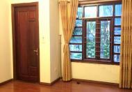 Bán nhà mặt phố Nguyễn Thái Học, Hà Nội, phù hợp mọi loại hình KD, văn phòng, DT 102m2