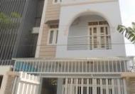 Bán nhà hẻm 10m ngay vòng xoay Nguyễn Văn Cừ, Q. 1, DT 5,52m x 5,95m, 2 lầu