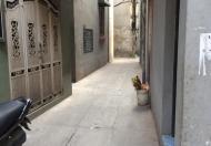 Chính chủ Cho gấp nhà riêng tại ngõ 215 Nguyễn Xiển, HN, DT 40m2, 2 tầng, nội thất CB, 5tr/th