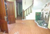 Cho thuê nhà phố Giảng Võ, Ba Đình, giá 12tr/tháng, DT 50m2x 3T. LH Ms Ly 01206653777