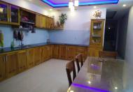 Cho thuê nhà 3 lầu, đường 5m5, gần trung tâm Đà Nẵng