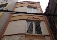 Nhà nguyên căn đường Lý Tự Trọng, Q. 1, DT 4.5x15m, 1 trệt, 2 lầu, 35tr/tháng
