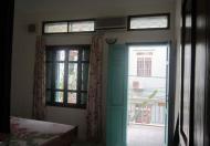 Cho thuê nhà riêng sân vườn tại Vân Hồ, DT 100m2, DTXD 70m2 x 3 tầng