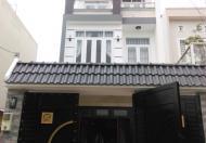 Bán rẻ nhà kiểu biệt thự qua cầu Phú Xuân chỉ 100m, 3 tầng, DTSD 165m2, giá 1.8 tỷ