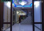 Bán nhà 3 lầu, 4 phòng ngủ, sân thượng, hướng Đông Nam, đường Huỳnh Tấn Phát, giá 2.45 tỷ