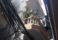 Bán nhà Đê La Thành 30m2, 4 tầng, chỉ 2.6 tỷ rẻ nhất khu trung tâm Hà Nội
