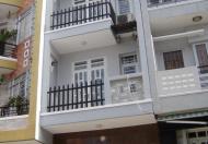 Bán gấp nhà gần chợ, diện tích 4*17m, 68m2, 3,5 tấm, nhà mới 98%, 4PN, 4WC, nội thất cao cấp