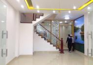 Cho thuê nhà mặt đường Văn Cao mặt tiền 9m DT 180m2