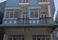 Nhà phố 1 trệt 2 lầu, 4 phòng ngủ. Vị trí đẹp cách Nguyễn Văn Linh chỉ 2km