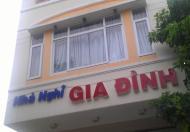 Nhà nghỉ năm trên đường Phan Văn Hớn, gần chợ