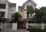 Cho hộ gia đình thuê nhà 4 tầng Quan Hoa
