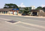 Bán đất gồm 2 nhà cấp 4 mặt tiền đường Lê Văn Việt, quận 9. Giá 15tỷ/196m2