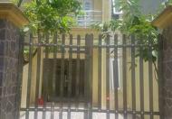 Cần bán nhà 2 tầng có sân cổng rộng rãi đường Hùng Vương, TP Nam Định, 830tr