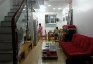 Nhà chỉ 4.2 tỷ mà đỗ được ô tô trước cửa, cực đẹp tại Thịnh Quang