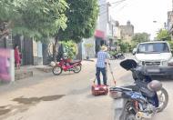 Bán gấp nhà cấp 4 (7.8x25m) đường Số 51, P. Bình Thuận, Q7
