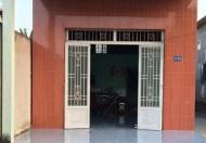 Nhà cấp 4, gần chợ, DT 60m2, SHR. 0903369458