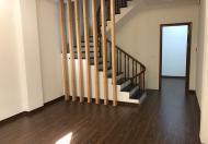 Cần bán nhà ngõ 25 Vũ Ngọc Phan, Đống Đa, DT 41.8m2 x 5 tầng. Vị trí đẹp tiện kinh doanh