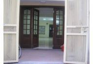 Gia đình tôi bán nhà 3 tầng sổ đỏ 17m2, phường Khương Thượng, Đống Đa, Hà Nội. Giá 1.35 tỷ