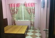 Cho thuê nhà riêng tại Đội Cấn, Hoàng Hoa Thám, DT: 42m2 x 3,5 tầng, 4PN, 3WC, giá 8 tr/th