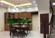 Nhà thuê đẹp kinh doanh phố Nguyễn Chí Thanh, DT 35m2, 5 tầng 13tr/th