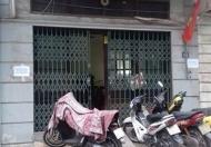 Cho thuê nhà 35m2 x 3 tầng ngõ 5 Hoàng Quốc Việt tiện ở, kinh doanh. 7 triệu/tháng