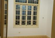 Cho thuê nhà trong ngõ 47 Nguyên Hồng, nhà 4 tầng x 50m2, oto đỗ cửa , giá 14tr/th