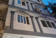 Bán nhà mặt phố Lạc Long Quân, DT 35m2 x 5 tầng, MT 6m. Giá 10,5 tỷ