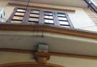 Nhà hiếm, rẻ nhỏ xinh vào ngay đón tết 27 m2, 4 tầng, giá 2.6 tỷ, phố Nguyên Hồng, Đống Đa