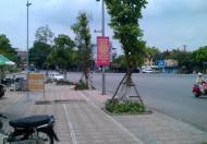 Chính chủ bán gấp nhà mặt phố Trạm Long Biên DT 40m với giá chỉ 2,52 tỷ. Lh Ms Liên 01639518963