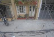 Cho thuê nhà mặt ngõ tại Khâm Thiên, Đống Đa, DT 70m2, 2,5 tầng. Giá 15 triệu/tháng