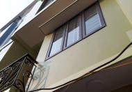 Dãy trọ 5 tầng, 50m2, có 9 phòng khép kín, ban công, giá cho thuê 2.7tr/th, gần chợ Phùng Khoang
