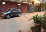 Nhà mặt phố kinh doanh lâu dài, mặt phố Cảm Hội khu vực rất đông dân cư giao thông thuận tiện