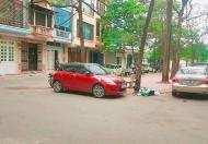 Hạ sốc 800tr bán ngay biệt thự Giải Phóng, ô tô vào nhà để ở hay kinh doanh đều tốt. Lh 0967200868.