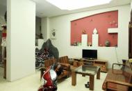 Gia đình chuyển vào nam ở cần bán căn nhà đường Nguyễn Chí Thanh, diện tích 77m2 x 4 tầng