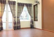 Cho thuê nhà mặt phố sầm uất Thanh Xuân, 150m2 * 3 tầng