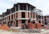 Nhà biệt thự villa, 8x16m, SHR, MT Quốc lộ 1A, giá: 2,2 tỷ. LH 0906 398 269