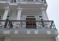 Gia đình định cư nước ngoài nên cần bán lại căn nhà phố liền kề cuối đường Tô Ký