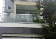 Cần cho thuê nhà mặt tiền đường Ung Văn Khiêm, trệt, 3 lầu, giá 15 triệu/tháng
