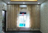 Bán gấp căn hộ tập thể mặt hồ Quỳnh 55m2, view hồ Quỳnh, ô tô đỗ chân cầu thang, giá 1.5 tỷ