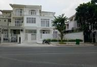 Cần cho thuê gấp biệt thự Mỹ Gia 1, Phú Mỹ Hưng, mặt tiền đường Tân Phú, DT: 272m2, thích hợp làm quán cafe , nhà hàng ...Lh: 0915...