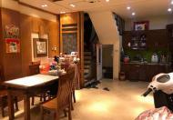 Nhà cực đẹp phố Nguyên Hồng, tặng lại nội thất gần 1 tỷ,Camry vào nhà.