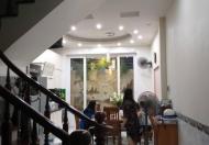 Chính chủ cần bán nhà mặt ngõ 8 Võng Thị 89m2 x 4T giá 14,3 tỷ ngõ 10m cách phố 30m , Hồ Tây 300m