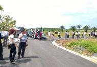 Bán đất đối diện cổng khu công nghiêp Thuận Đạo,giá 480 triệu/nền,shr